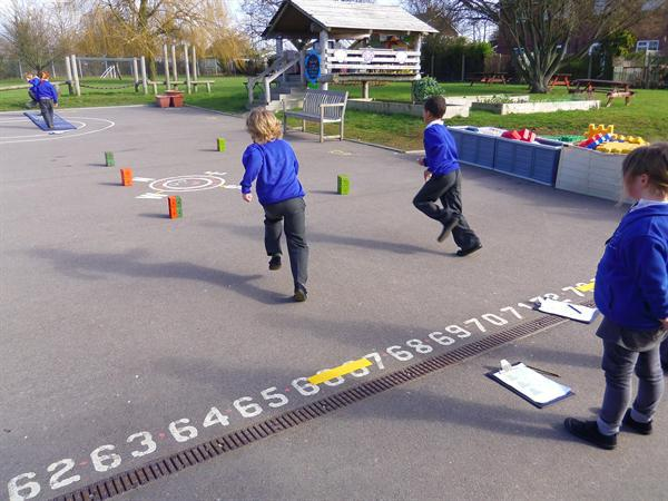 Maths - timing each other running