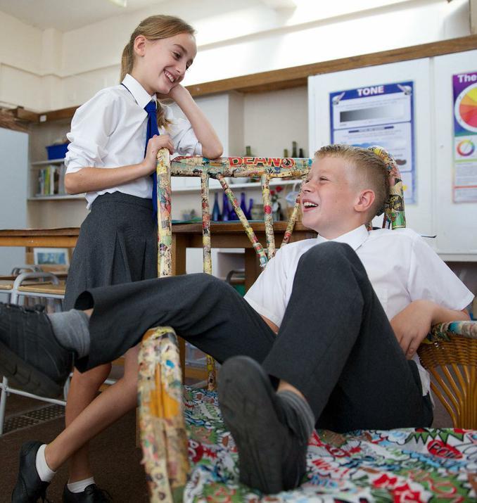Photo's of pupils in the art studio
