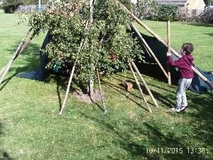 Photo of pupils den building