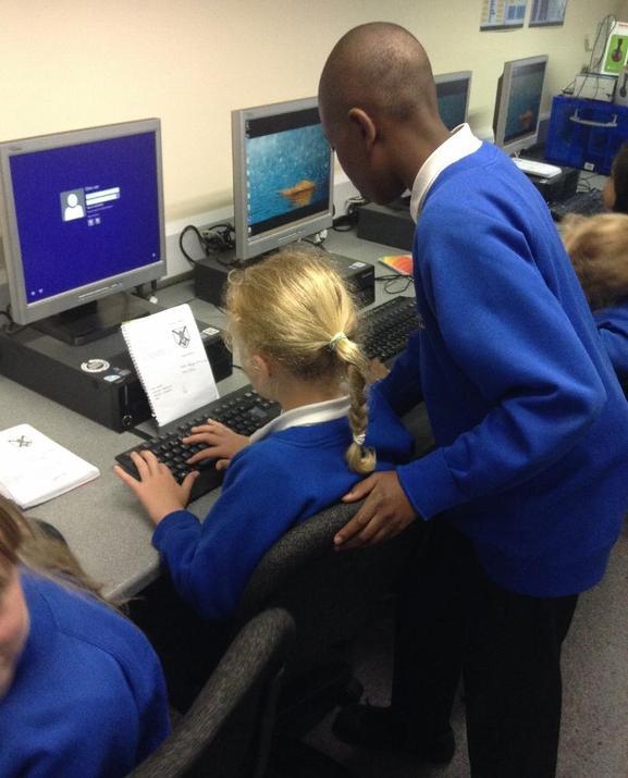 Photo of pupils in IT Suite