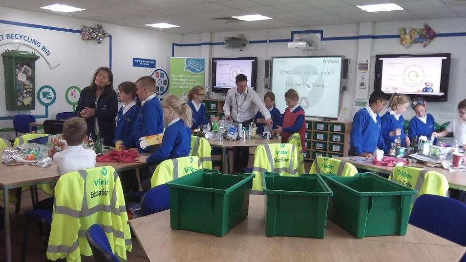 Photo of pupils attending recycling centre