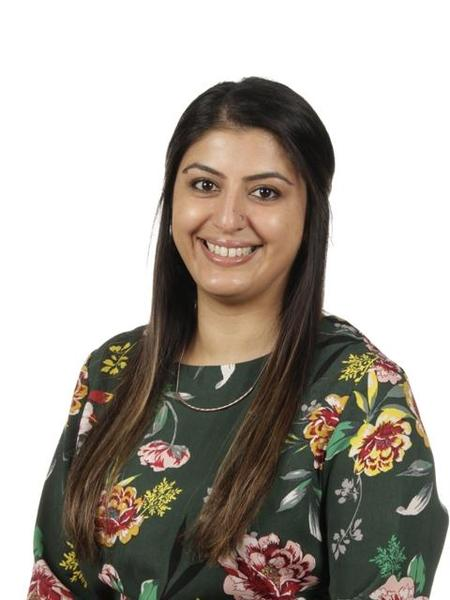 Mrs Hussain, Year 4 Teacher