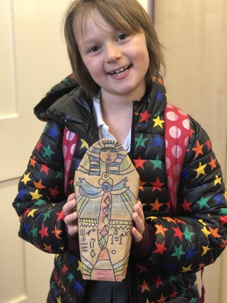 Lola and her fantastic sarcophagus
