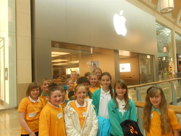 Digital Leaders Visit The Apple Shop