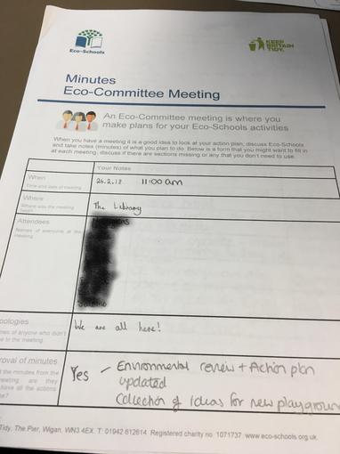 The children write the minutes