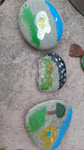 Pebble art by Nina