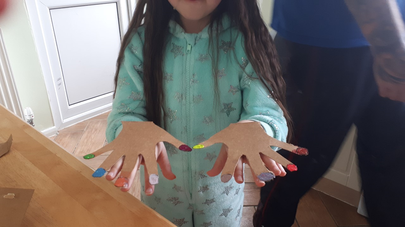 Wow! Cardboard hands and nails!