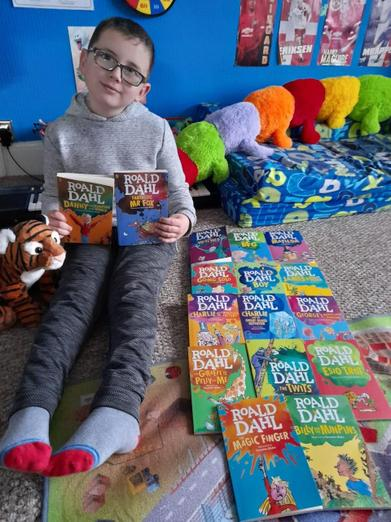 What a fabulous collection of Roald Dahl books 📚