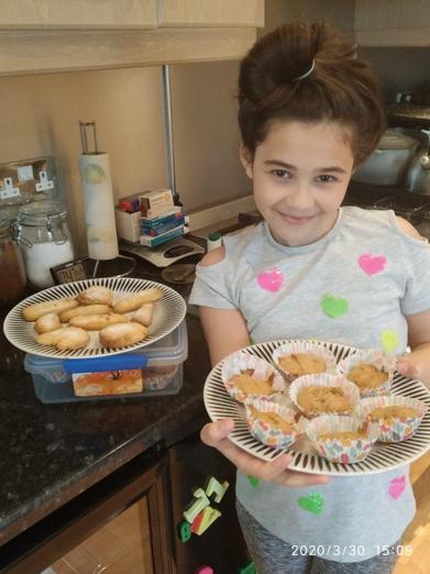 Emilia's mini carrot cakes and shortbread. Yum.