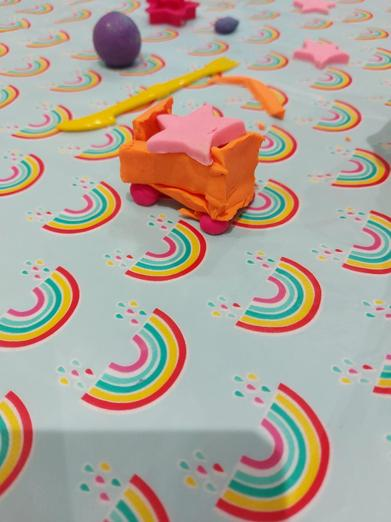 A wonderful Play-doh creation by Clara! An excellent space buggy design! �