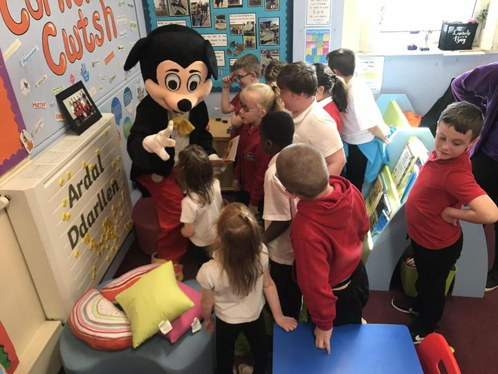 Mickey Mouse came to read us a story!