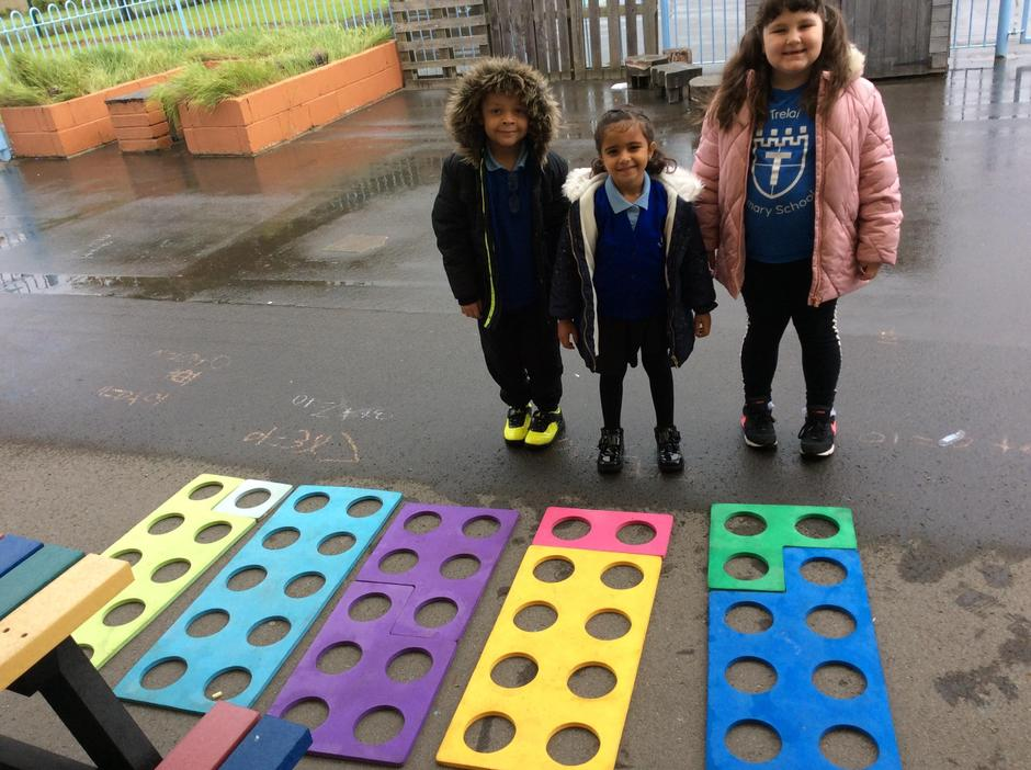 Fun outside- finding numberbonds to 10