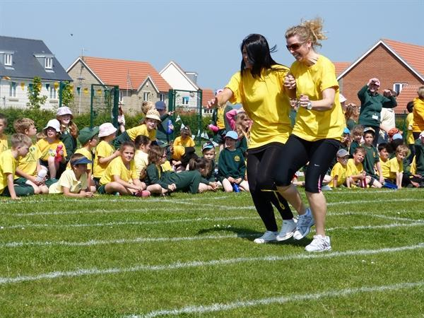 Mrs Harvey & Miss Ritchie race for Marconi!