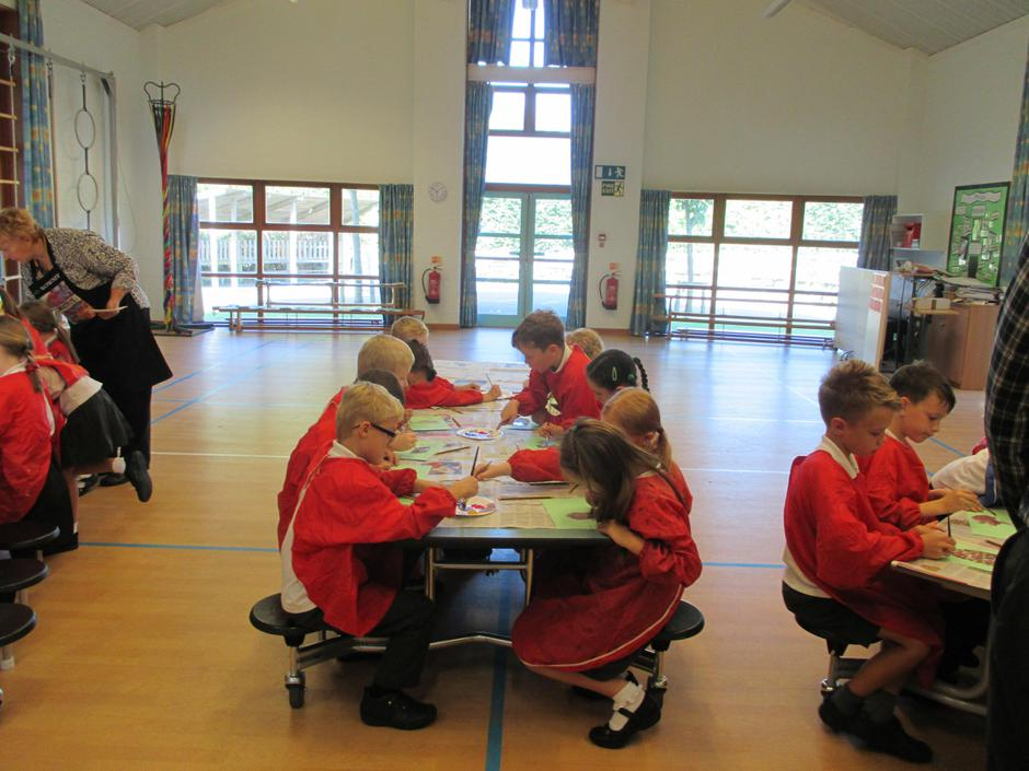 Year 3 painting badgers.