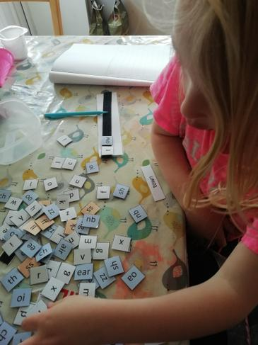 O is busy making words - fabulous!