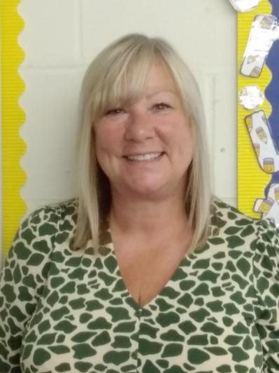 Mrs Simmons, Teaching Assistant