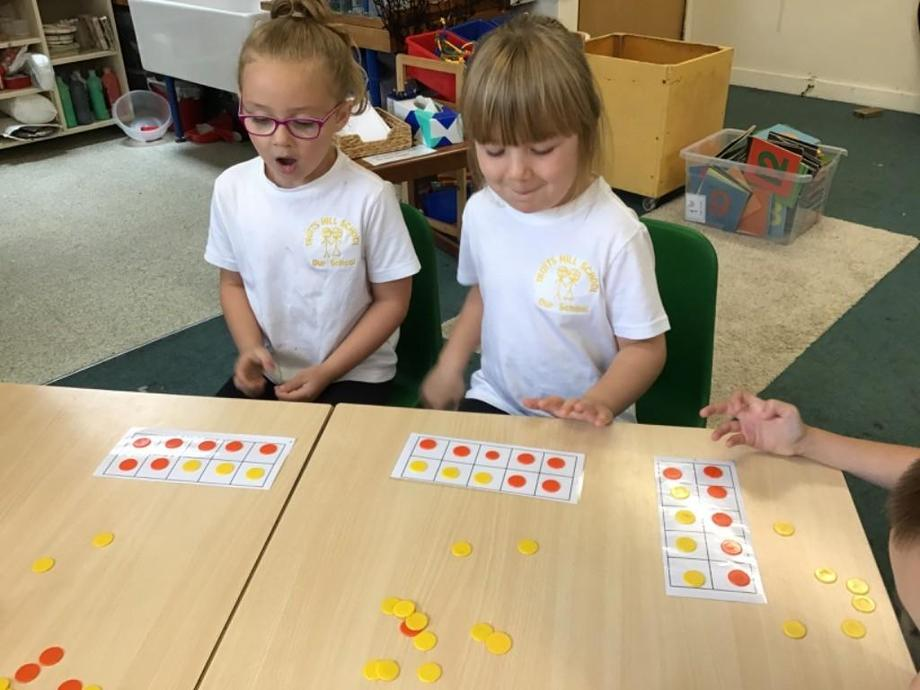 Making 10 using 2 different colours.