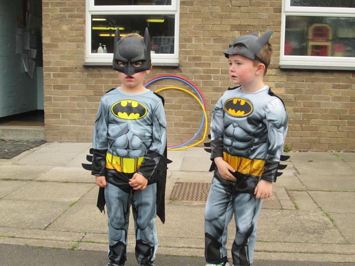 2 Batmen