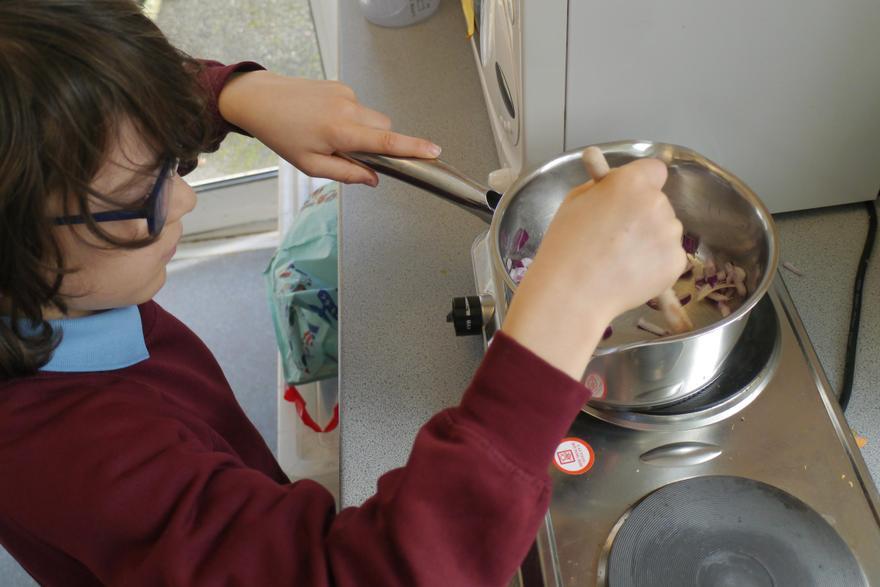 Cooking a lentil dahl