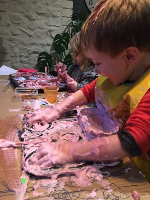 Messy play !