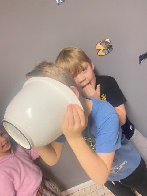 Freddie and Ronnie - Having fun making their Roman Apple Cake