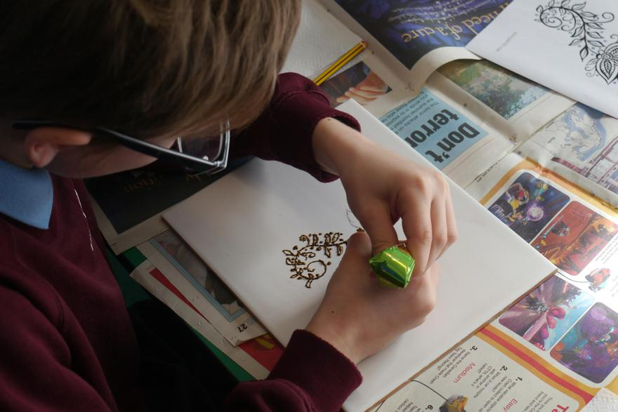 Having a go at using henna to learn about the cultural significance in Pakistan