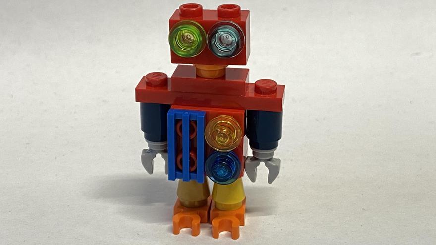 22 piece robot
