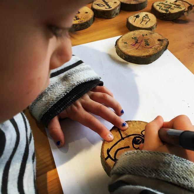 Making wooden messages