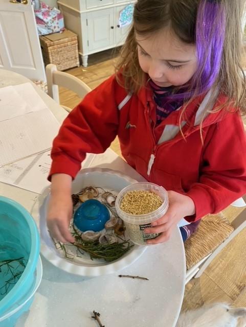 Preparing an ice decoration