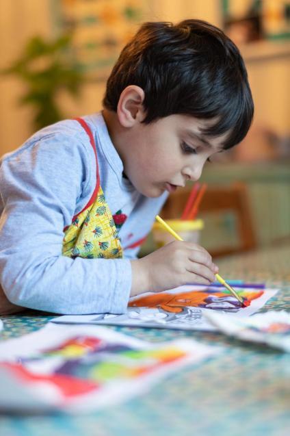 Idris working hard at his art.