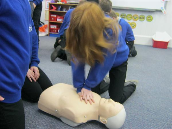Class 4 underwent first aid training