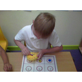 Learning to tell and read time to the hour