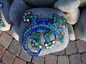 Lizard mosaic rock.