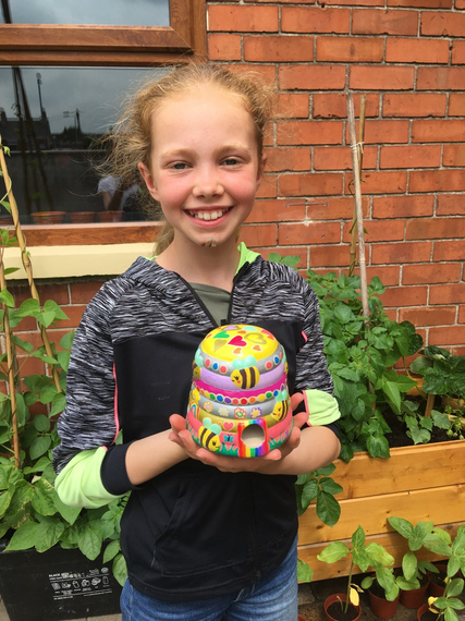Chloe has been busy. She painted a beehive.