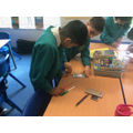 Y4 design & make jewellery