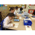 Y3 researching about the different planets