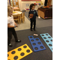 Matching numerals to numicon