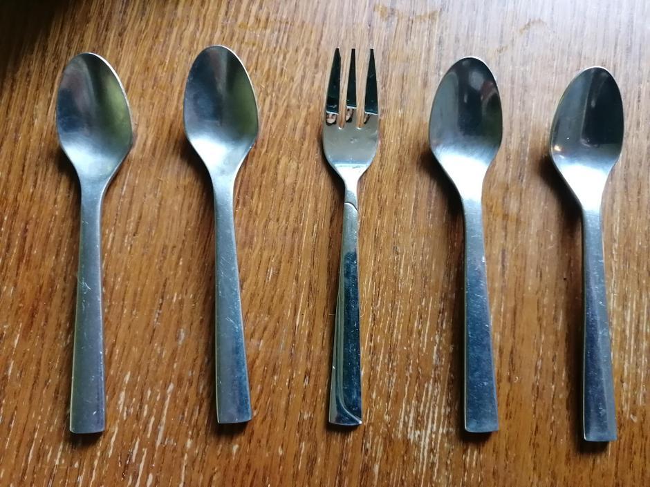 BBA, BBA, spoon, spoon, fork, spoon, spoon, fork