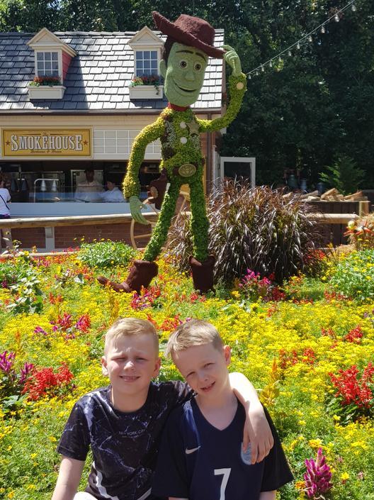 KP - evidence of a trip to USA - looks like Disney Land to me!