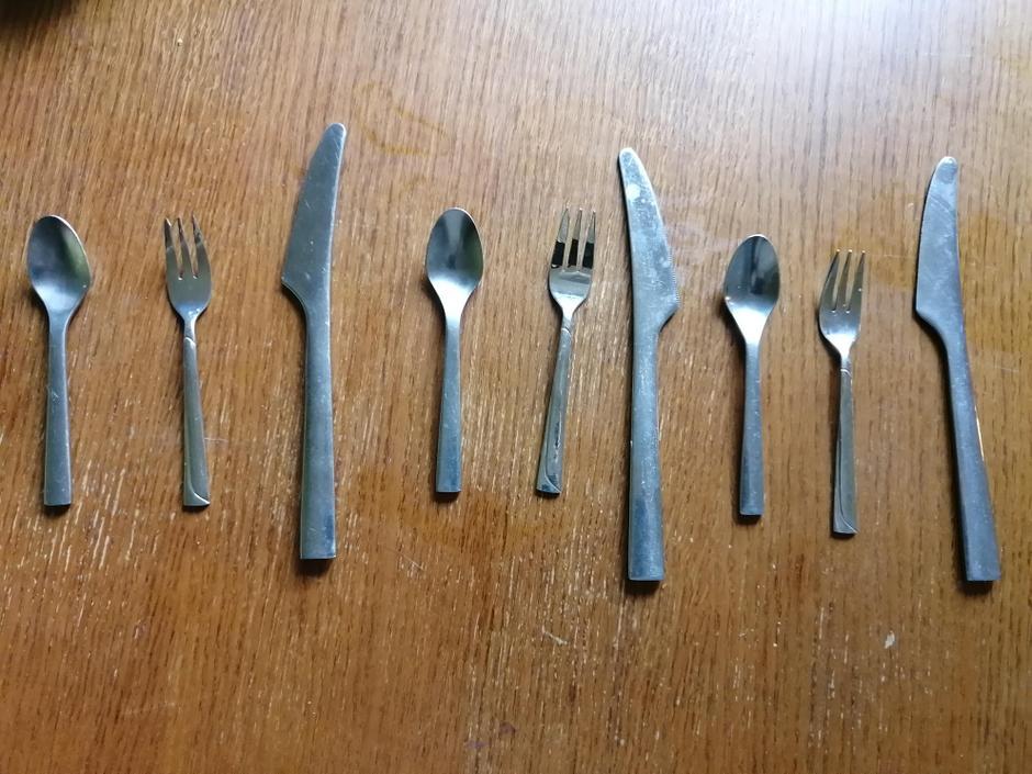 ABC, ABC or spoon, fork knife, spoon, fork kniife