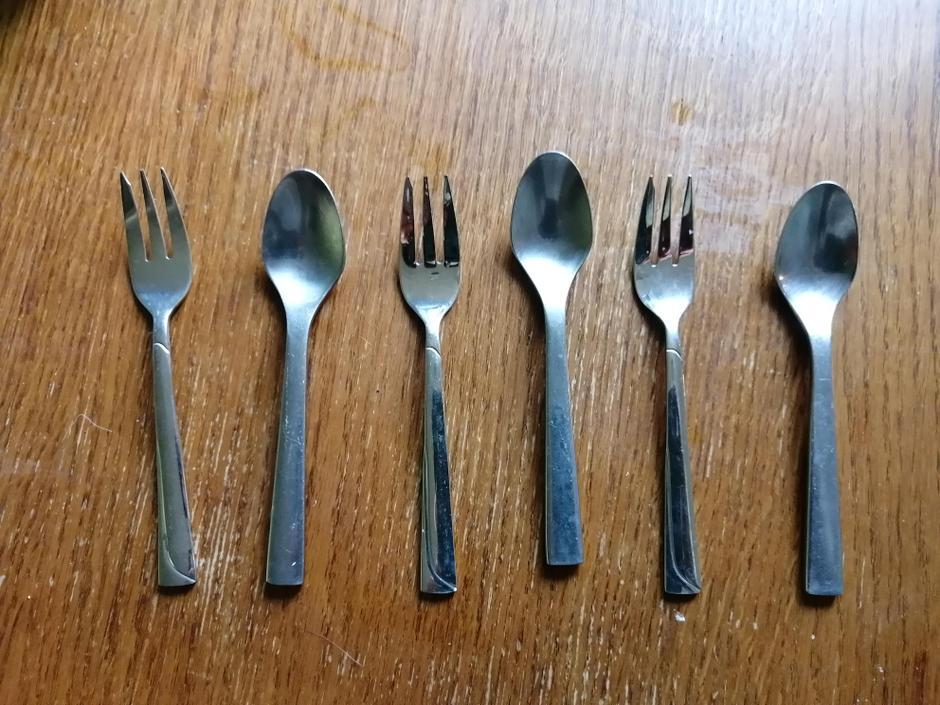 AB, AB or fork, spoon, fork spoon