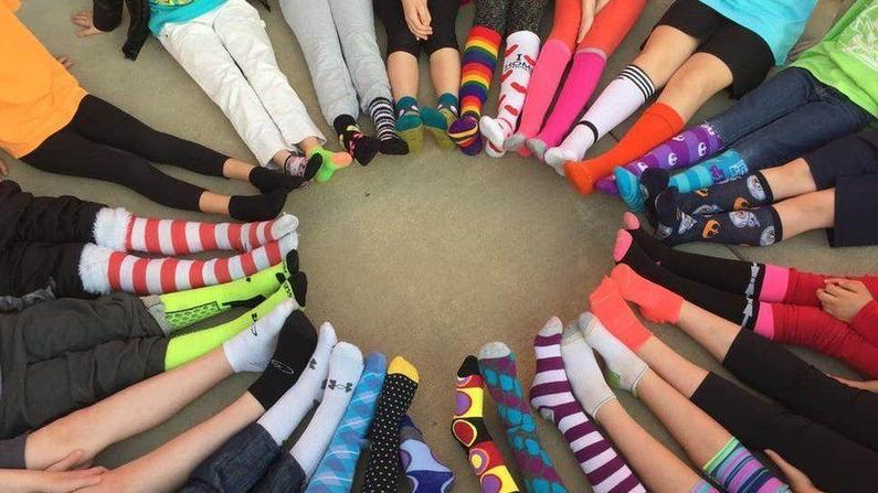 Circle of odd socks