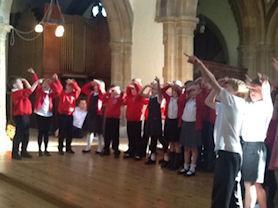 Oak Class perform 'What a Wonderful World'.