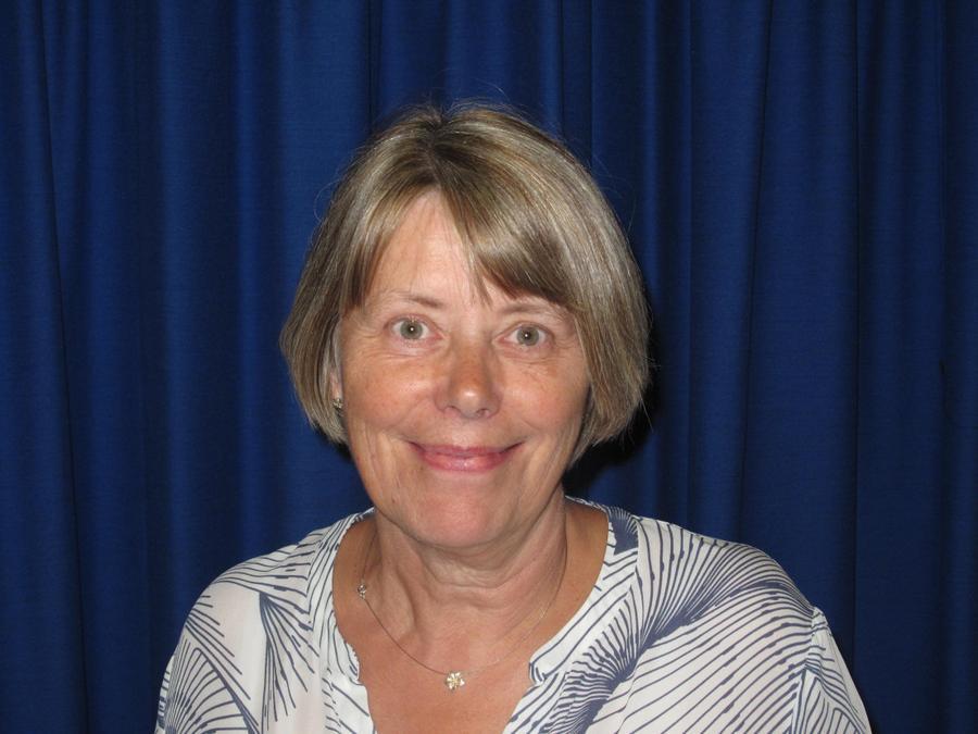 Mrs Avril Carnelley