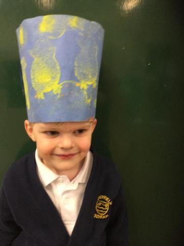 A tall hat!