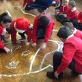 Such brilliant team work between the children.