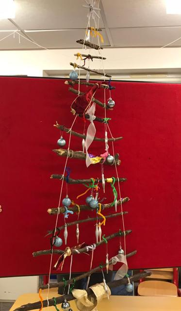 Look at our beautiful loose parts Christmas tree!