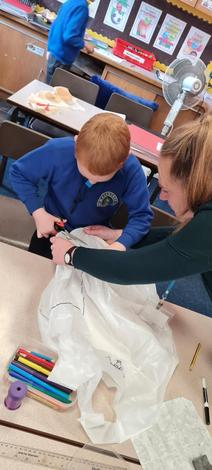 Cutting out the kite shape
