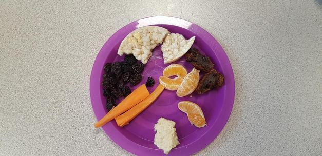carrots & hummus, raisins, maltloaf,satsuma & rice cake