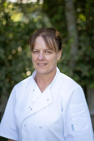 Karen Davies, Catering Assistant